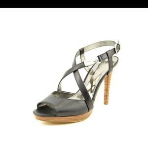 Coach Black Leather pump size 9 EUC